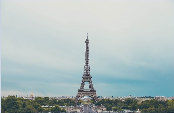 Eiffel Tower Learning French online with a native Patrick Lemarié Consulting unsplash photo