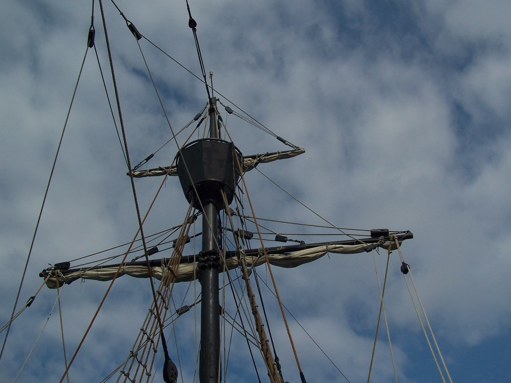 mast and rigging Nao Victoria Magellan 's ship patrick lemarie consulting