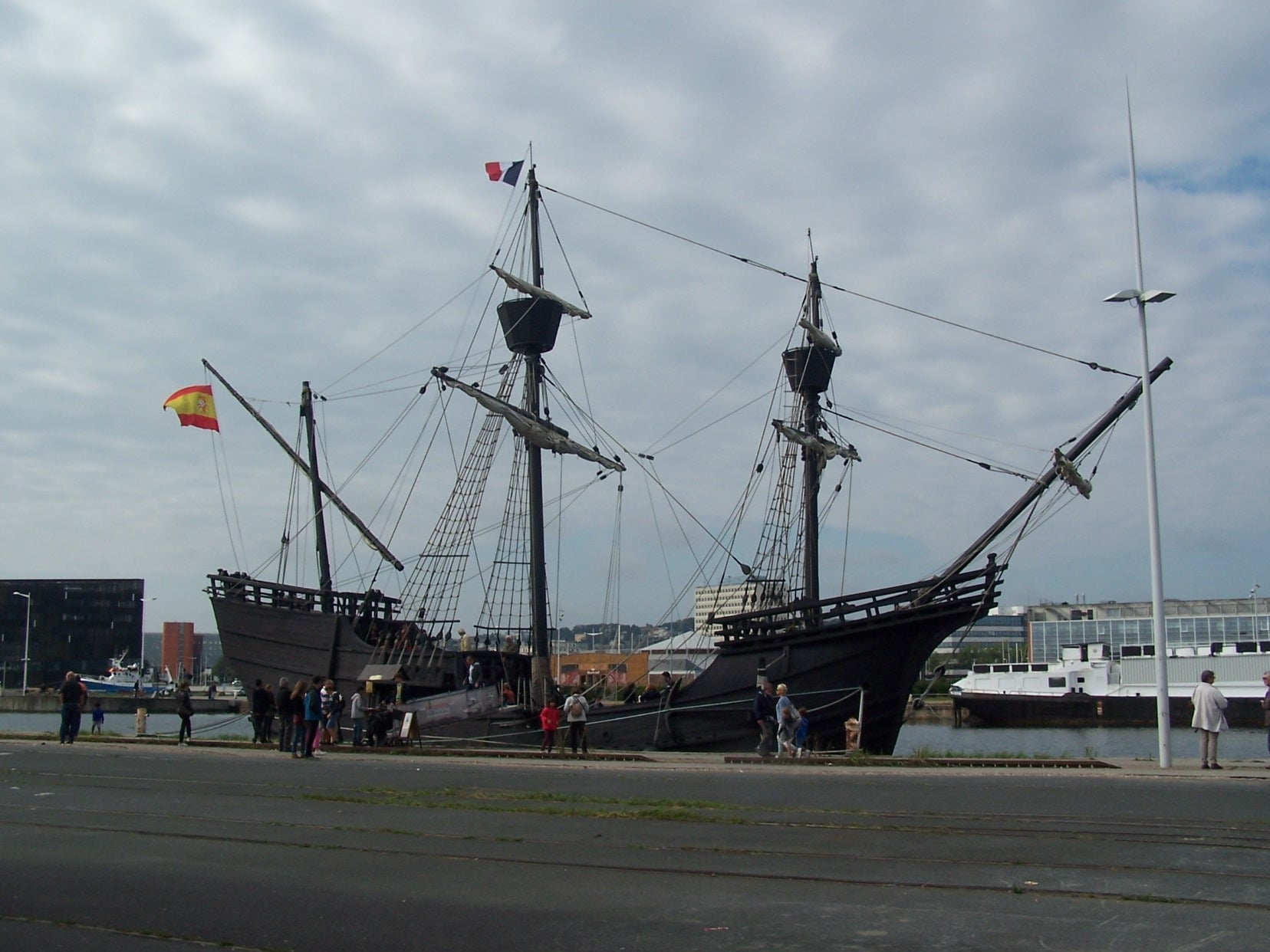 Magellan 's ship Nao-Victoria-at-Quai-de-la-Réunion Le Havre France